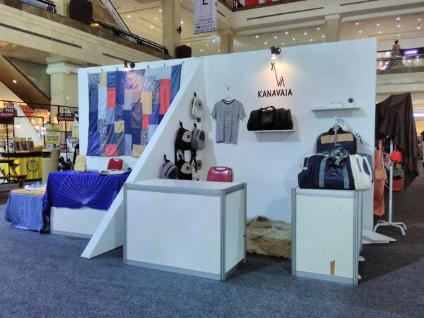 standar desain booth mall