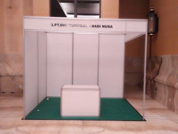 stand standar pameran