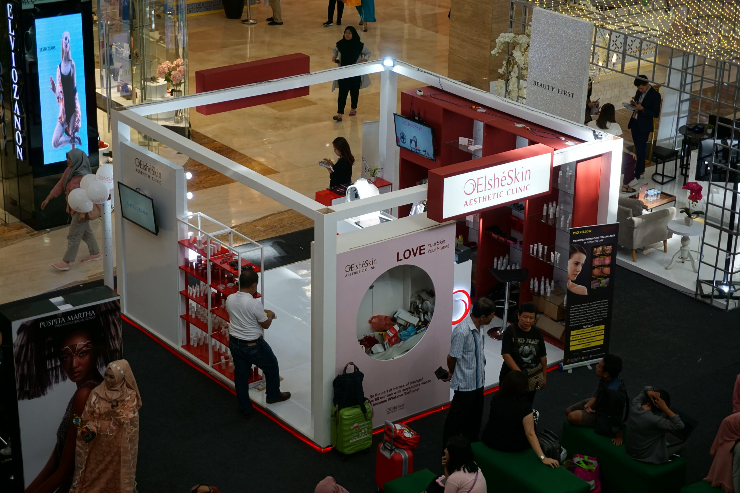 spesial booth stand pameran