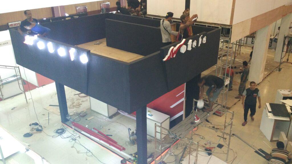 jasa pembuatan booth doble deck