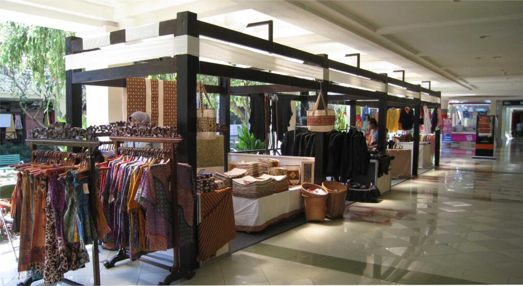 desain stand pameran mall